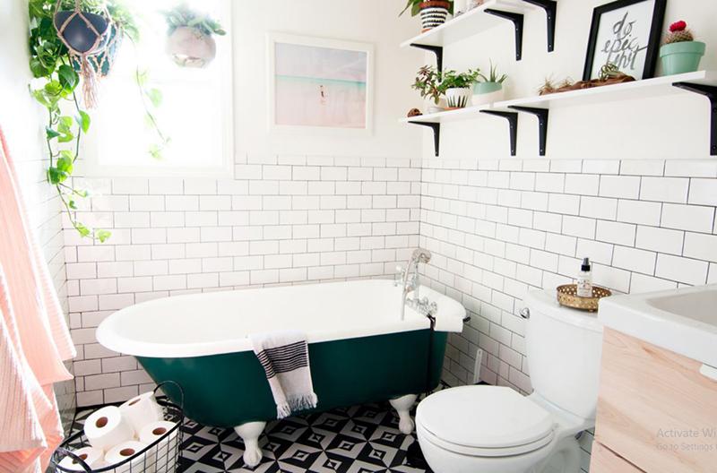 Salle de bain éclectique de Bohême