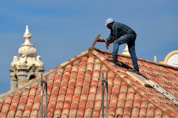 Comment choisir le bon entrepreneur en toiture