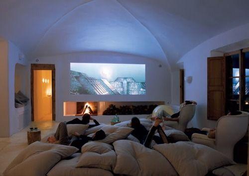 Transformez n'importe quelle pièce de rechange en un cinéma maison avec ces 5 étapes