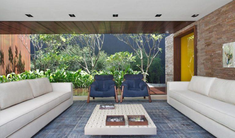 Décoration : Maison de luxe avec espaces de vie familiale intérieurs-extérieurs