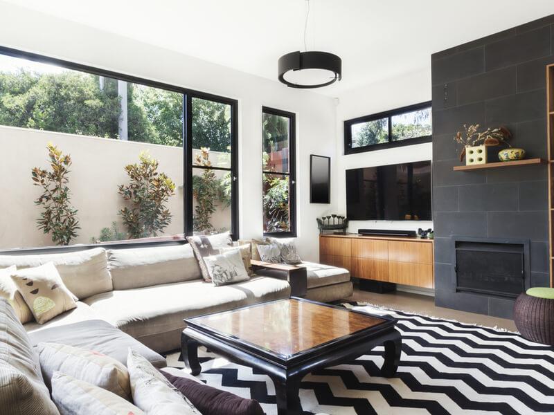 Salon monochromatique moderne