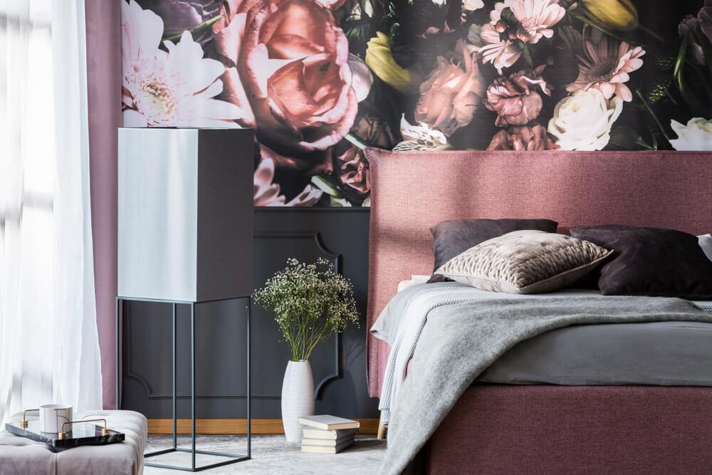 Chambre murale murale d'accents floraux