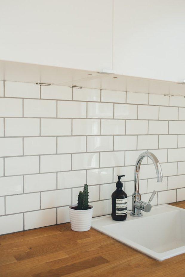Réorganisez votre dosseret de cuisine sans dépenser une fortune