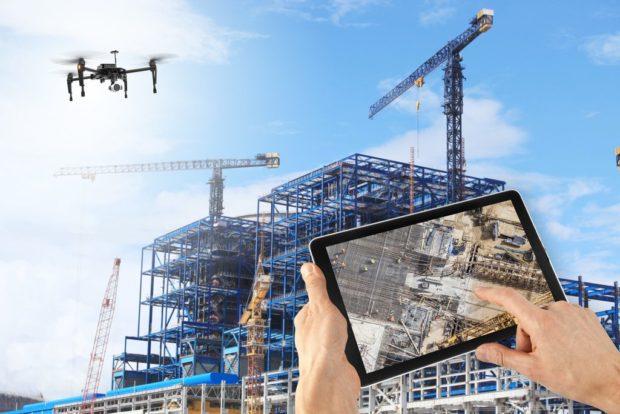 Les drones dans la construction: comment l'imagerie aérienne protège-t-elle les chantiers contre le développement des risques