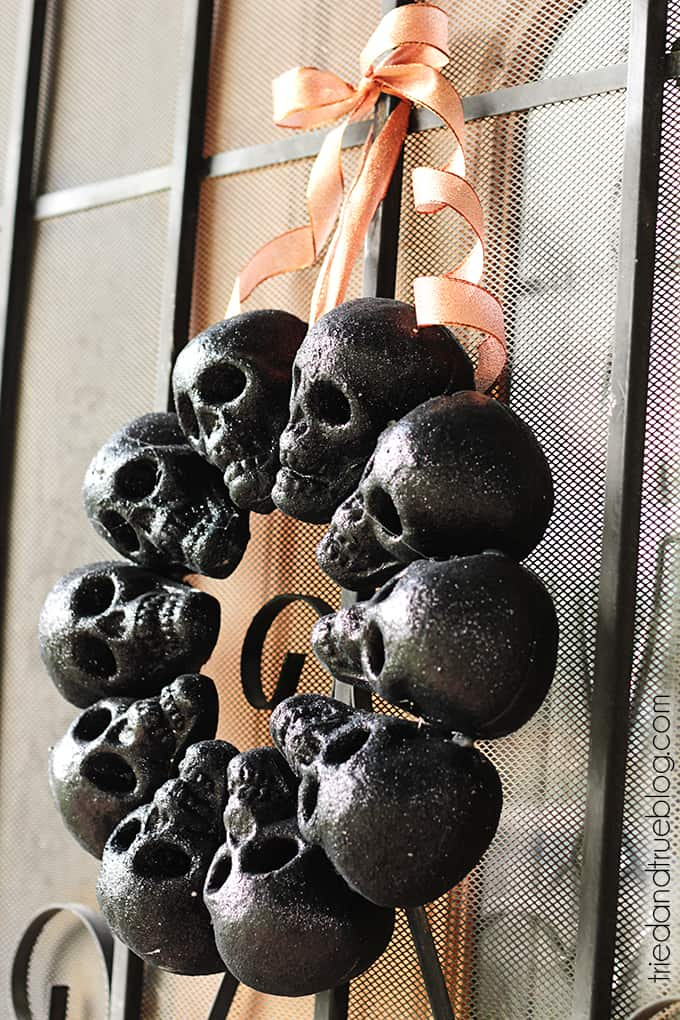 16 Easy Dollar Store DIY Décor Halloween à essayer