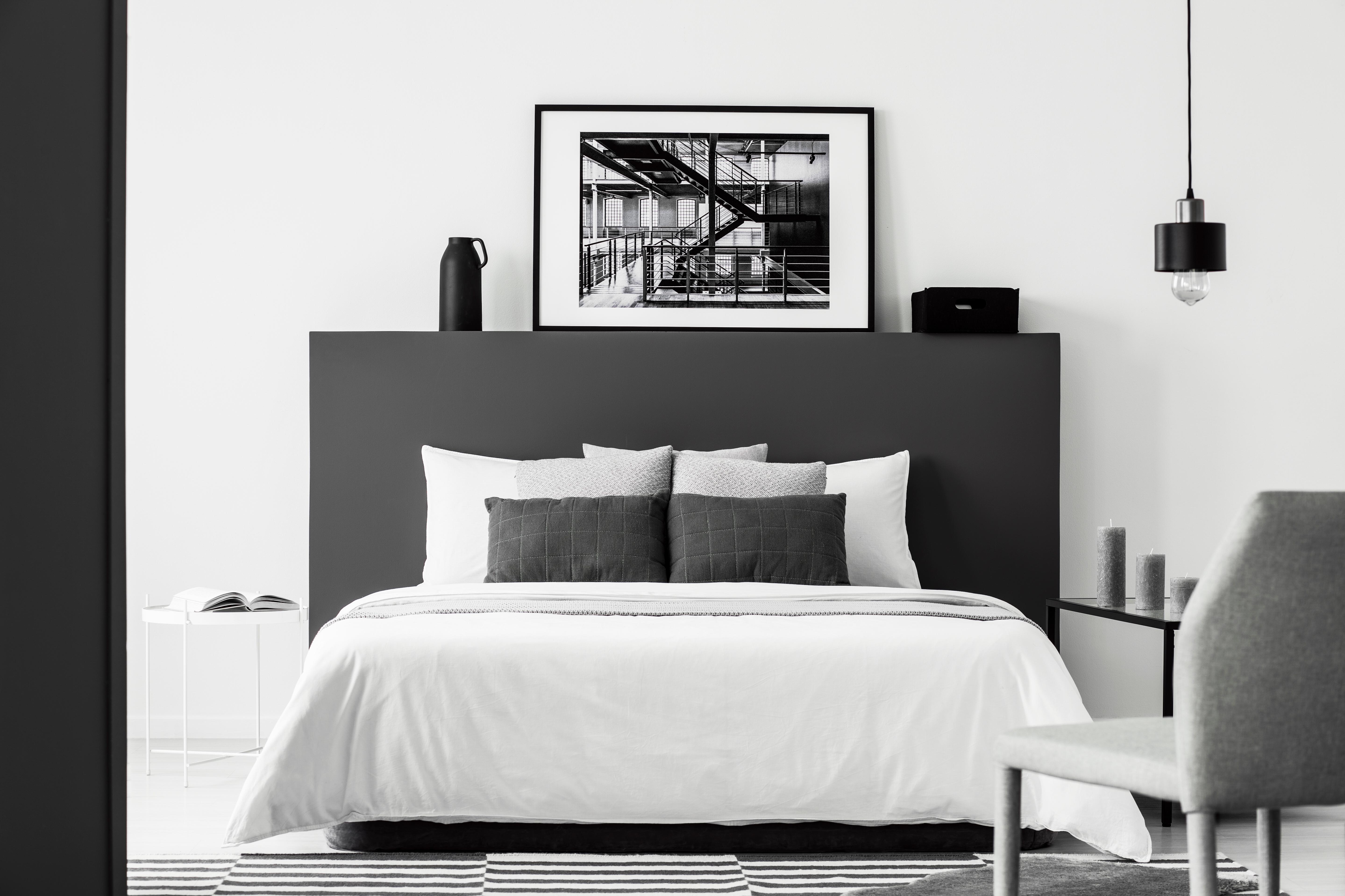 Chambre à coucher de couleurs blanc et noir