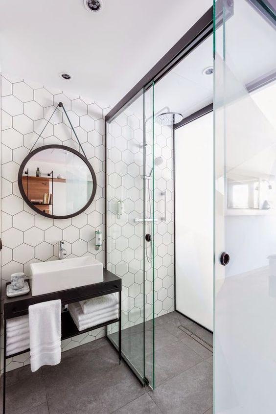 Carrelage hexagonal dans la salle de bain