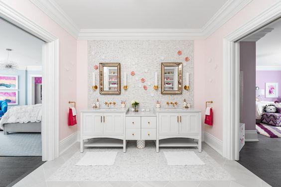 Salle de bain partagée pour deux chambres