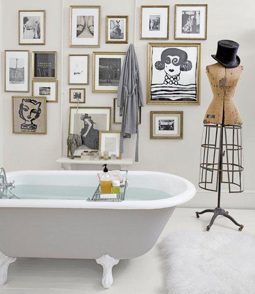 Oeuvre dans la salle de bain