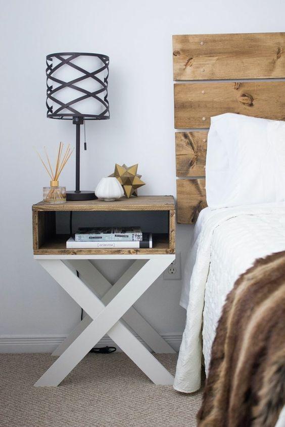 têtes de lit faites avec des palettes