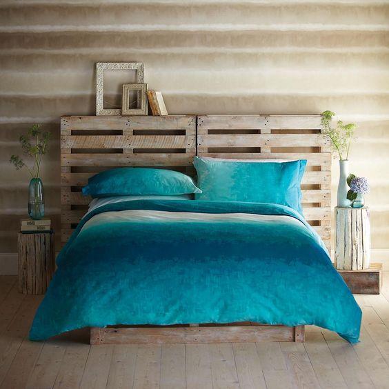 Têtes de lit avec palettes
