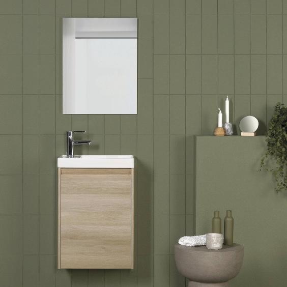 Petite armoire de salle de bain