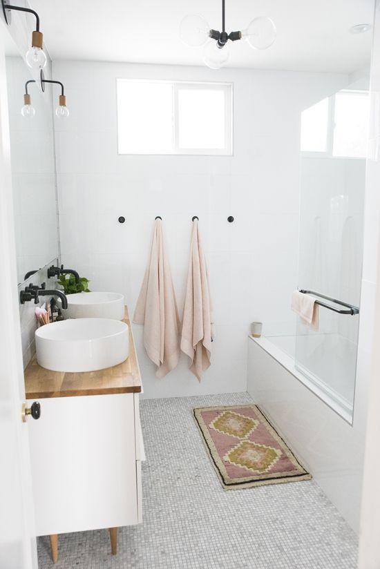 Petit écran de salle de bain