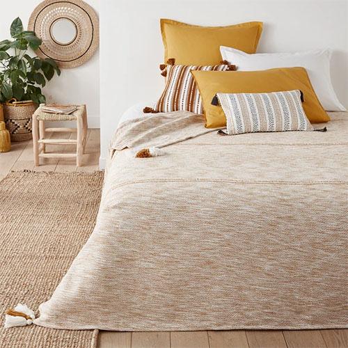couvre-lit en coton à pompons