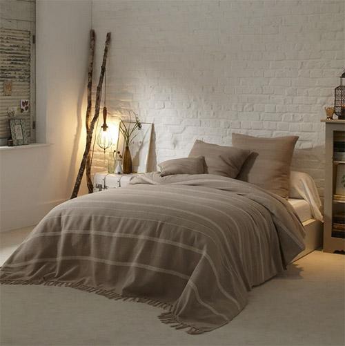 couvre-lit en coton à franges