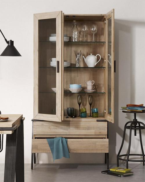 vitrine en bois avec tiroirs