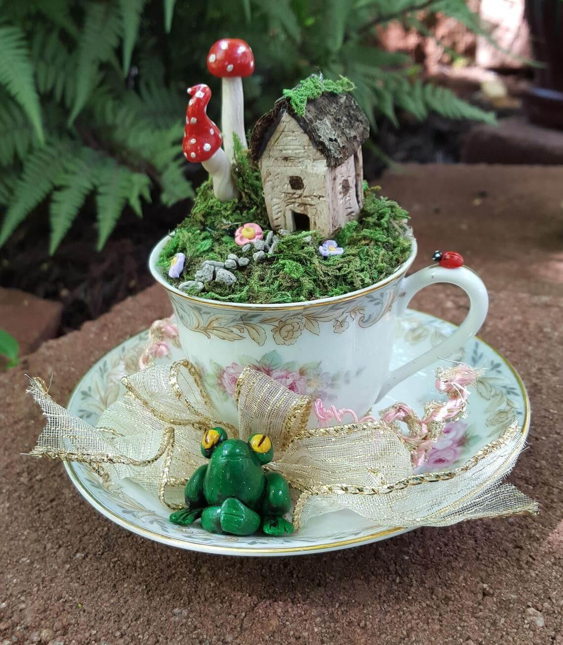 Jardin miniature de tasse de thé victorien rustique