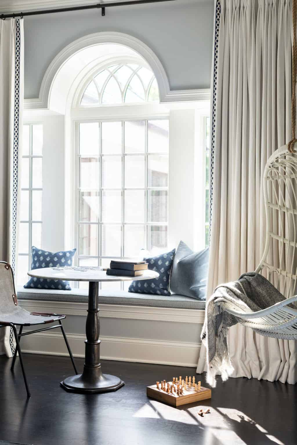 siège-fenêtre-chambre-enfant-de-style-traditionnel