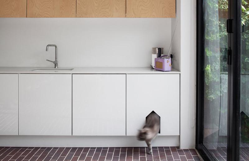 Rénovation d'une maison moderniste des années 70