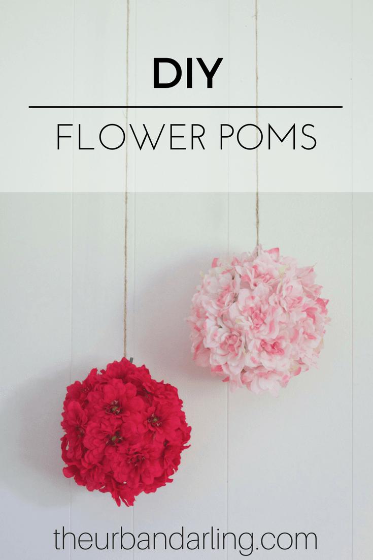 Poms suspendus avec fleurs en soie