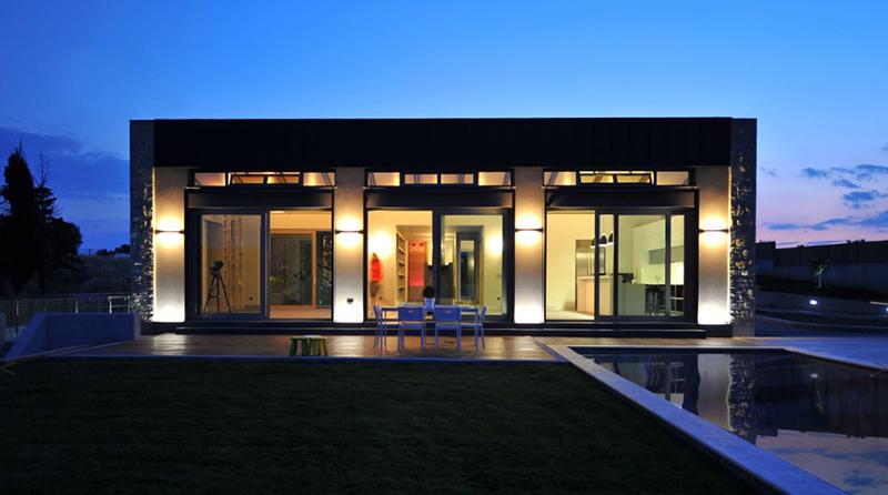 Maison Thiva