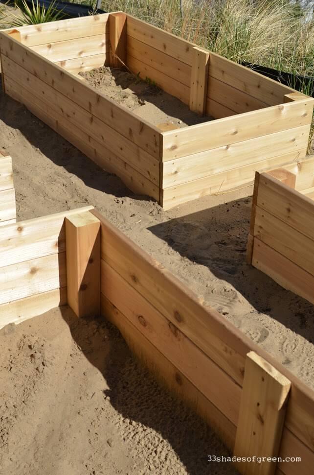 Boîtes de jardin simples surélevées en cèdre