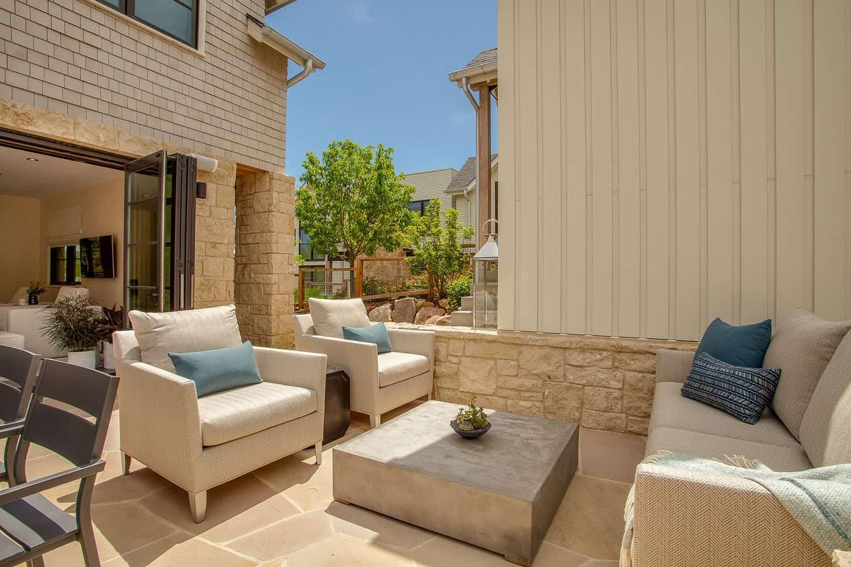 patio-maison-contemporaine