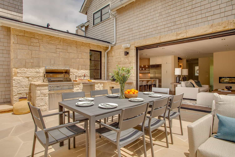 maison-contemporaine-patio-salle-a-manger-exterieur