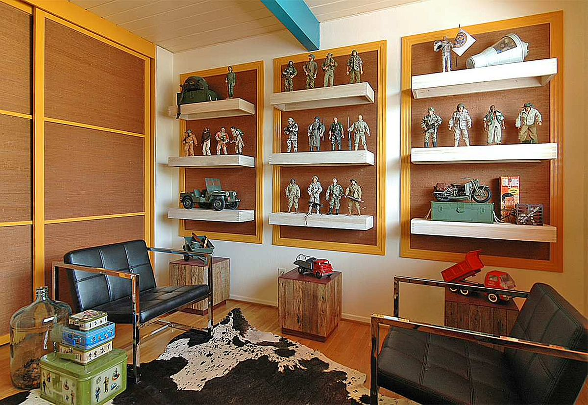 Les étagères flottantes minces servent à la fois d'espace de rangement pour les jouets et de jolis présentoirs