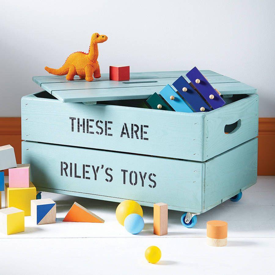 Ajoutez quelque chose de spécial aux enfants & # 039;  chambre avec une boîte de rangement personnalisée