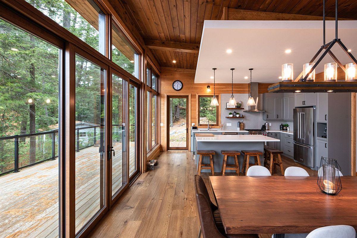 La plupart des maisons modernes disposent d'un salon ouvert avec cuisine et salle à manger