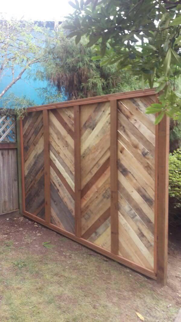 Clôture de panneau de chevron en bois bricolage