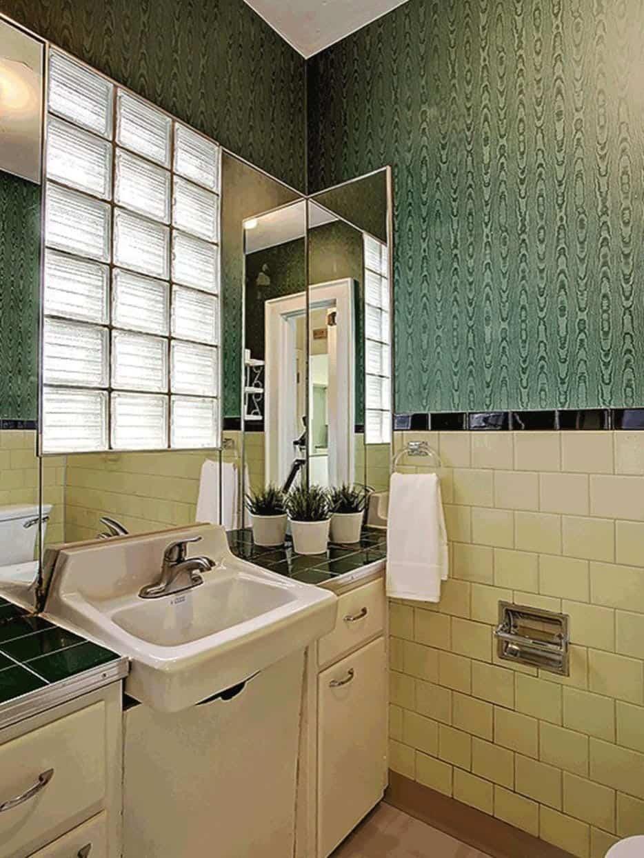 salle de bain en poudre avant rénovation