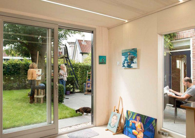 Intérieur de studio de peinture d'arrière-cour