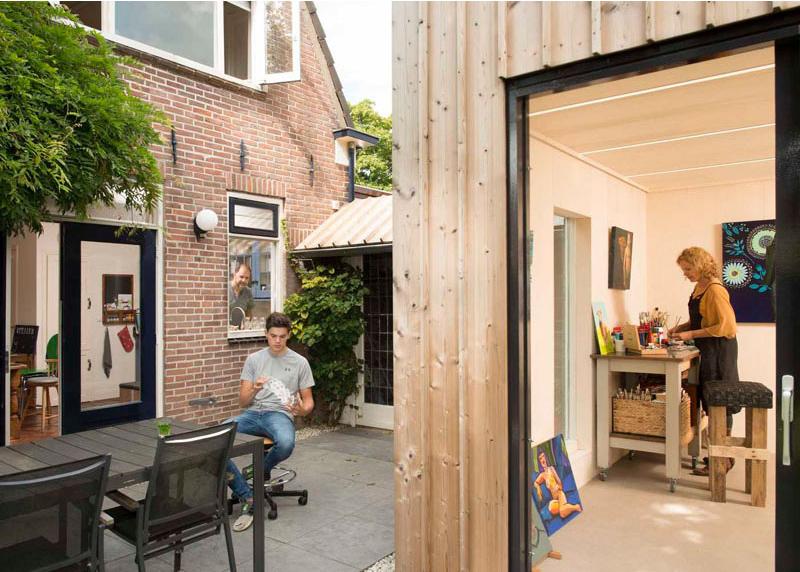 Salle à manger du studio de peinture d'arrière-cour