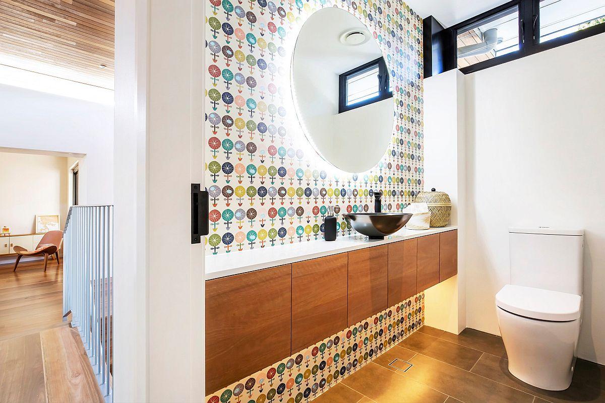 Explorez différents motifs et couleurs dans la petite salle d'eau moderne cette année