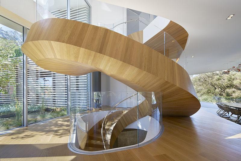 Escalier hélicoïdal excentrique Tree Top Residence