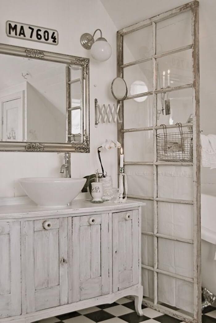 Séparateur d'intimité de salle de bain avec fenêtre antique