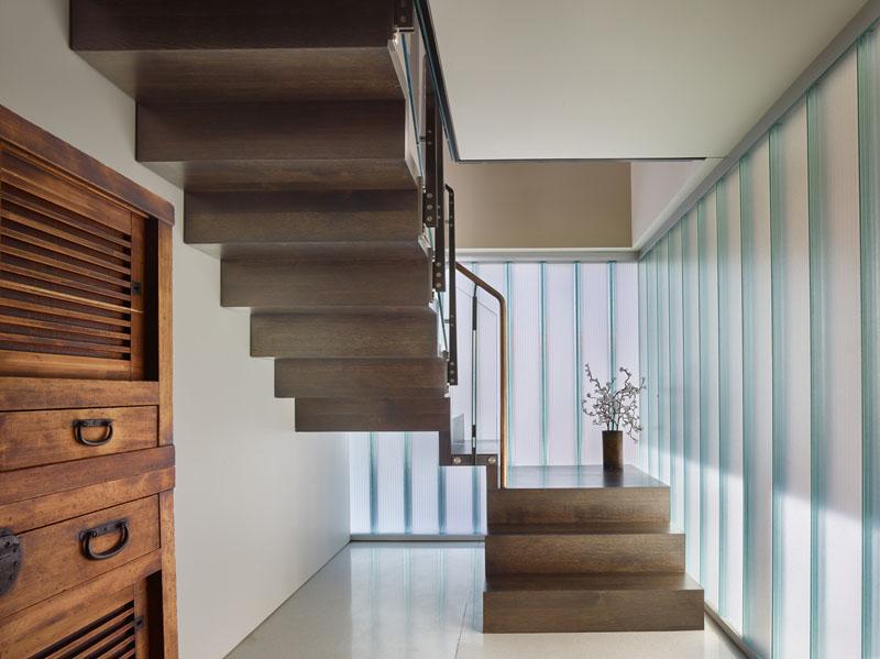 Escalier de maison flottant