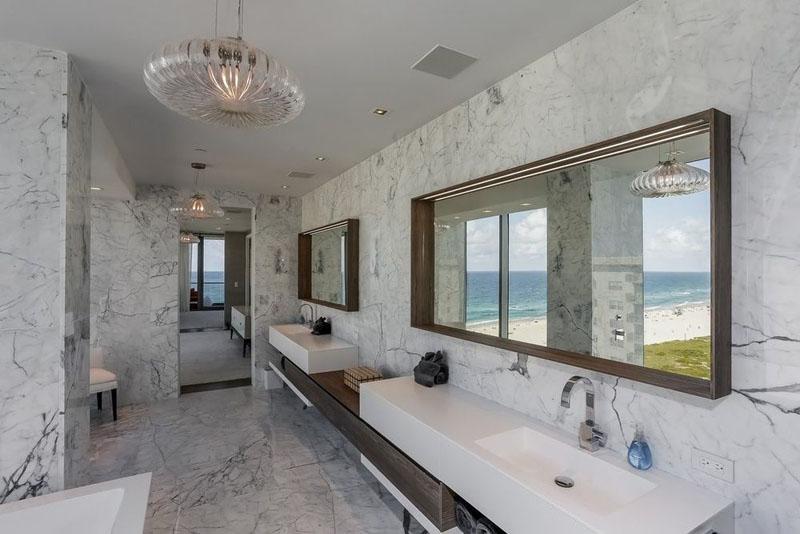 321 Ocean Penthouse salle de bain ouverte
