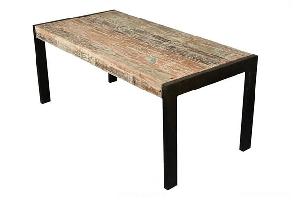 Tables de salle à manger en bois de récupération