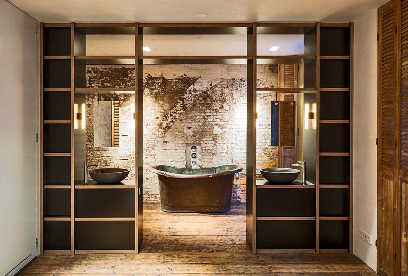 Salle de bain du bureau à la maison d'Amsterdam