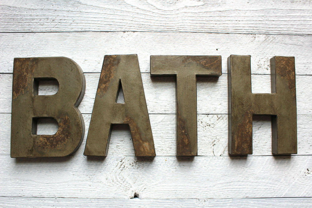 Signe de salle de bain bleu marine rustique