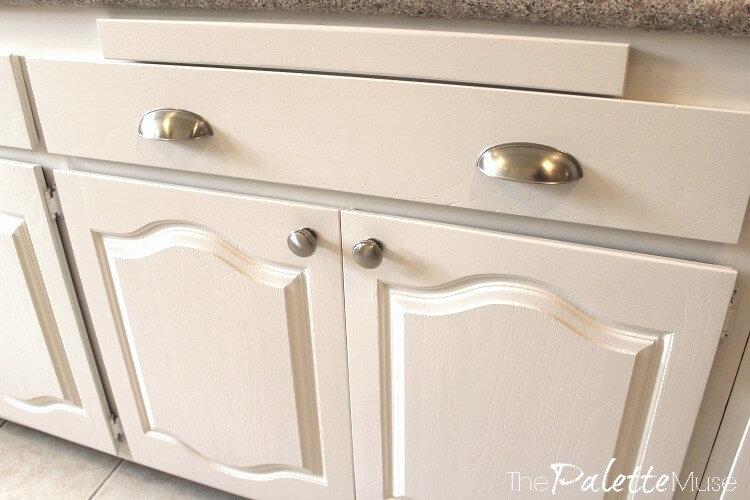 Peignez vos armoires de cuisine sans tracas