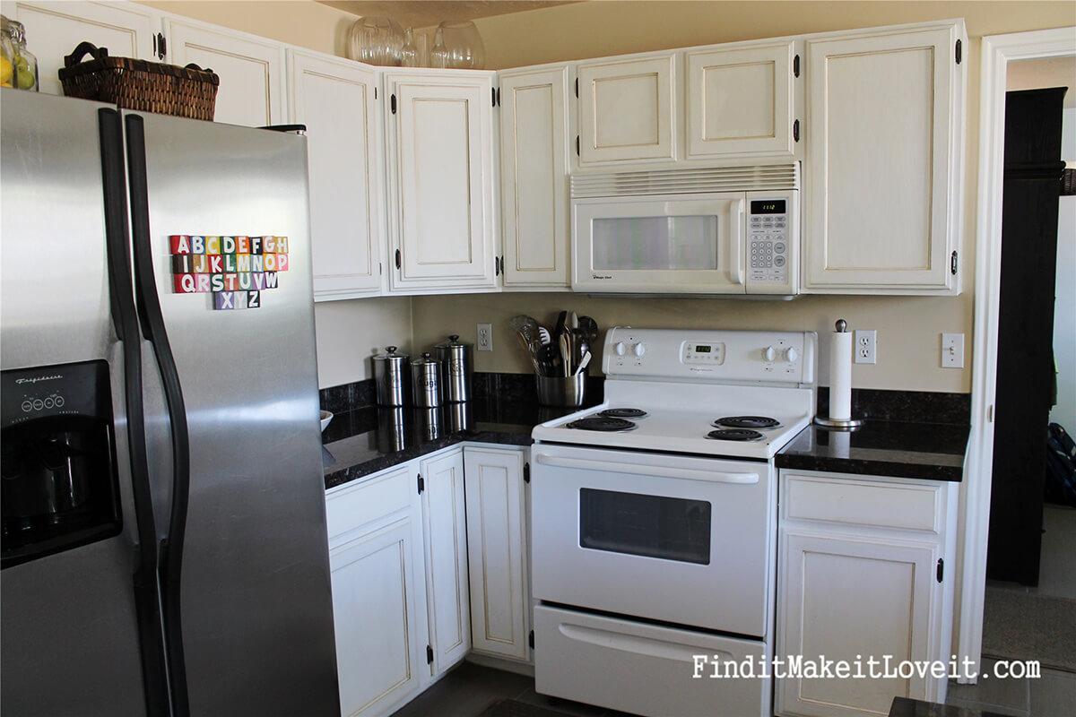 Un relooking d'armoires de cuisine à petit budget