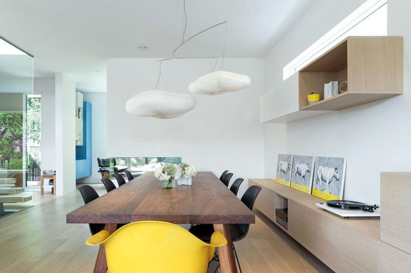 Salle à manger de la maison contemporaine Mid-Block