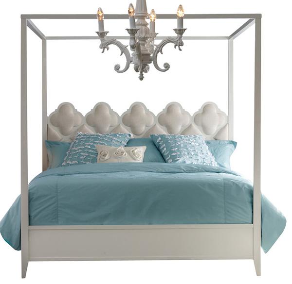 Hooker Furniture Mélange de lits à baldaquin quadrilobe