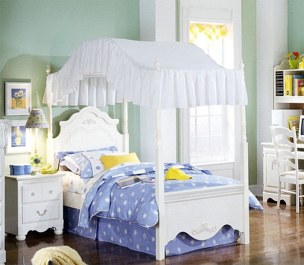 lits à baldaquin pour filles