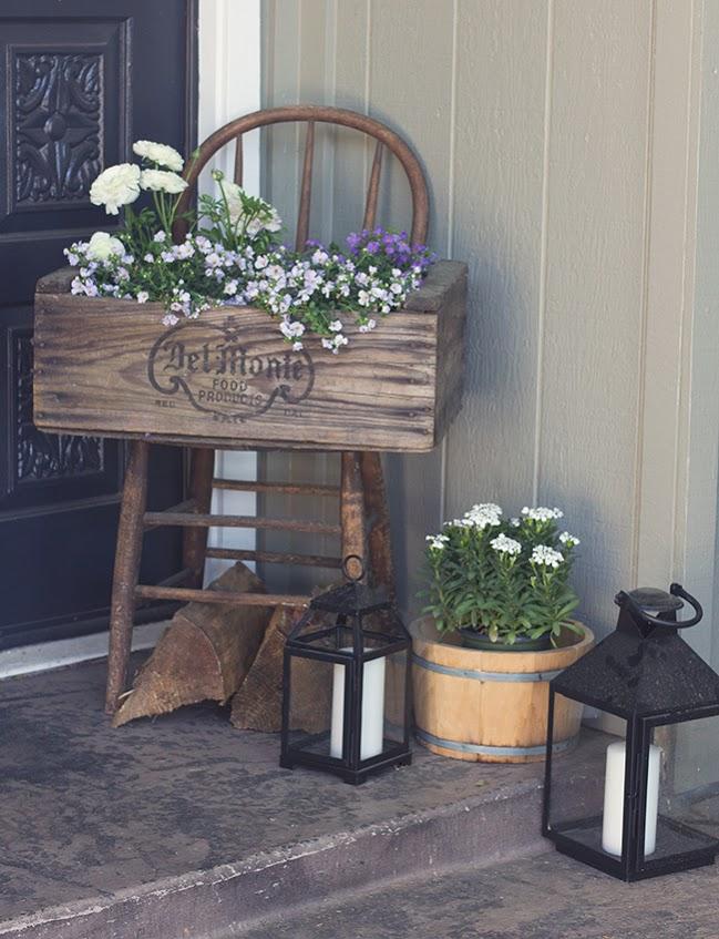 Décor unique de porche de jardinière en bois