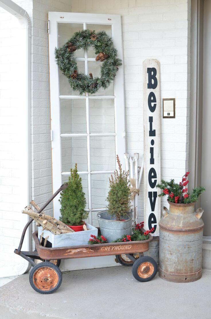 Couronne de Noël inattendue et affichage d'arbre